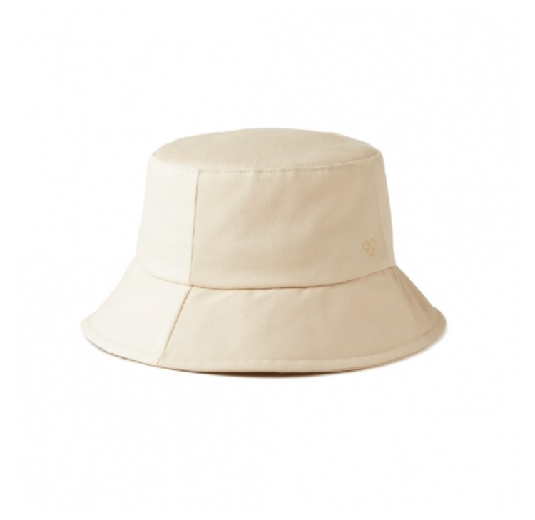 Minoz Official Love Patch Bucket Hat